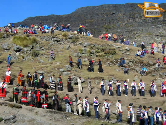 Dancers and Pauluchas at Qoyllority