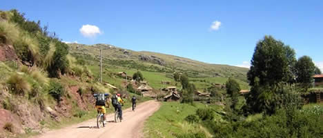 Mountainbiken in Maras en Moray