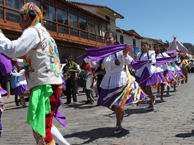 In a traditional Cusco festival the sacred and the profane are integrated in a single manifestation of vitality, pride and happiness.