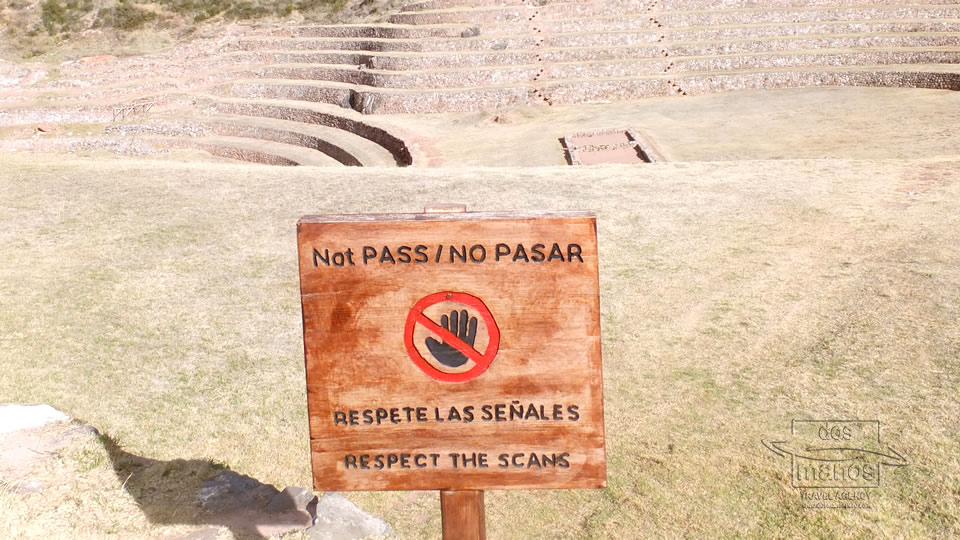 Don´t pass! - Sign at Maras
