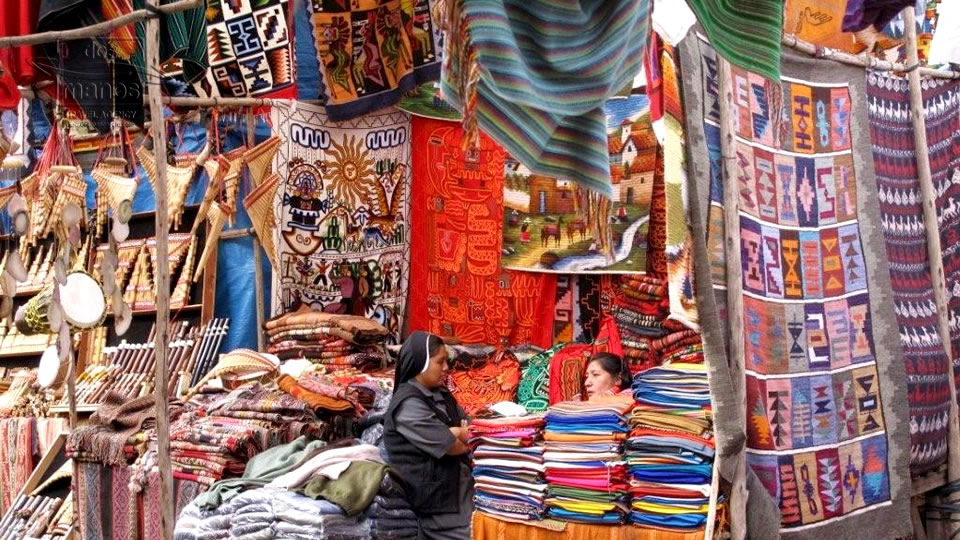 Local vendors at Pisac market