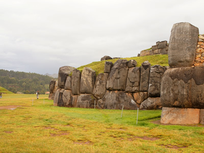 The Fortress of Sacsayhuaman, where the Incas performed sacred rites and held festivals. Located at 2 km. Northeast of Cusco.